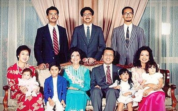 Biodata Ringkas Anak Anak Tun Dr Mahathir Iluminasi