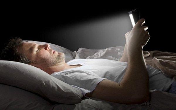 Image result for Bluelight : Punca anda mengalami kesukaran untuk tidur