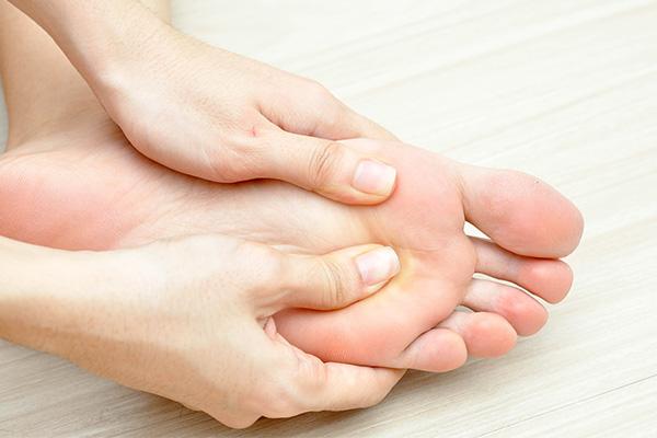 10 tanda anda mungkin dijangkiti virus hiv kaki tangan kebas