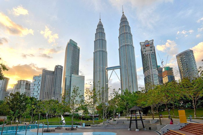 1200 petronas twin towers