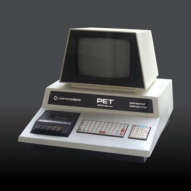1200px commodore 2001 series img 0448b