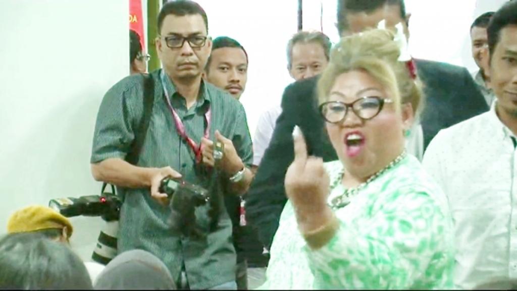 Siti Kassim VS Zakir Naik, Siapa sebenarnya mengancam negara ...
