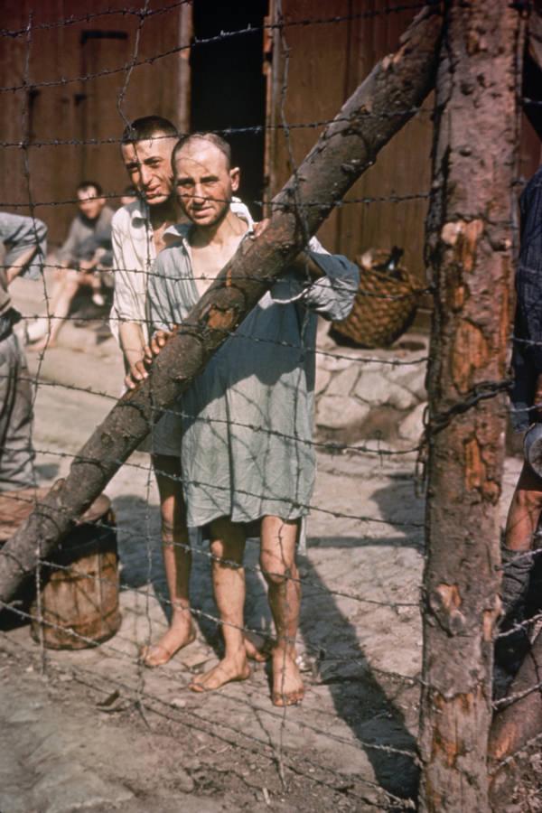 2 banduan di kem tahanan
