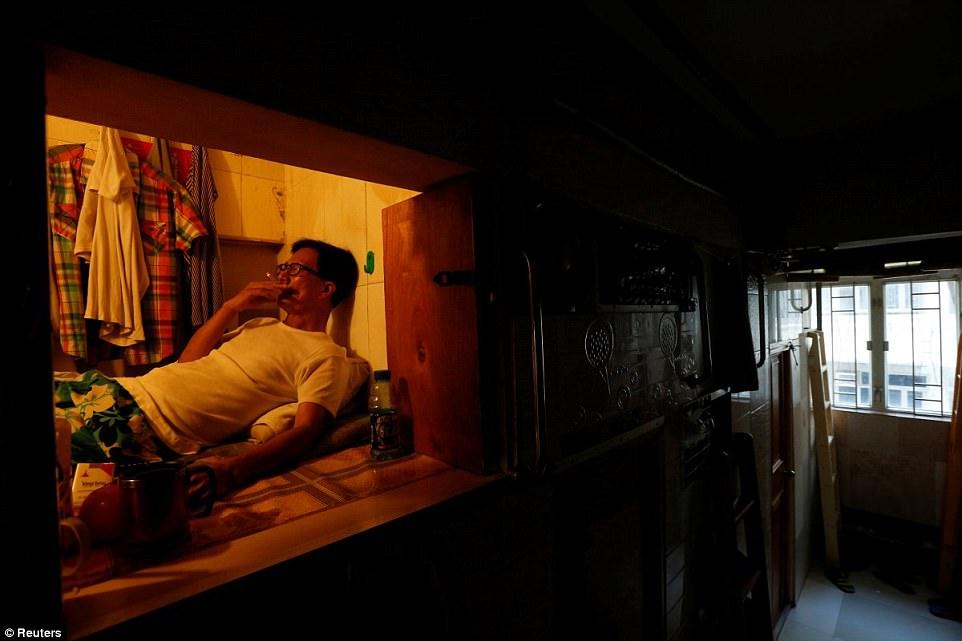 3e329dd900000578 4306496 simon wong an unemployed 61 year old man also living in hong kon a 8 1489389434587