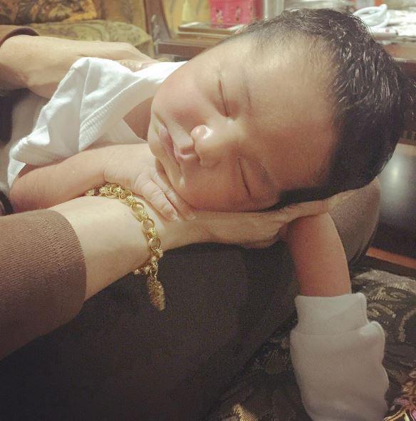 4 foto terkini bayi sulung syamsul yusof dan puteri sarah 4