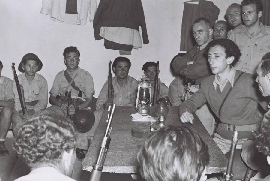 abba kovner bersama sama organisasi tentera yahudi haganah pada tahun 1948