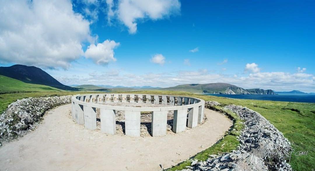 achill henge replika stonehenge