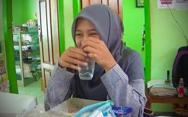 adab minum dalam islam