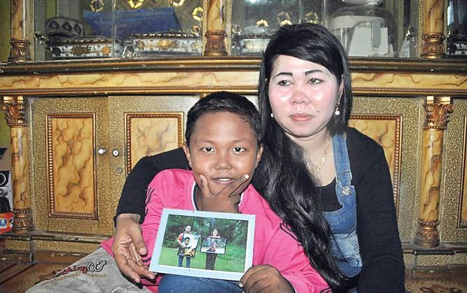 aldi rizal kanak kanak paling muda merokok terkini bersama ibunya