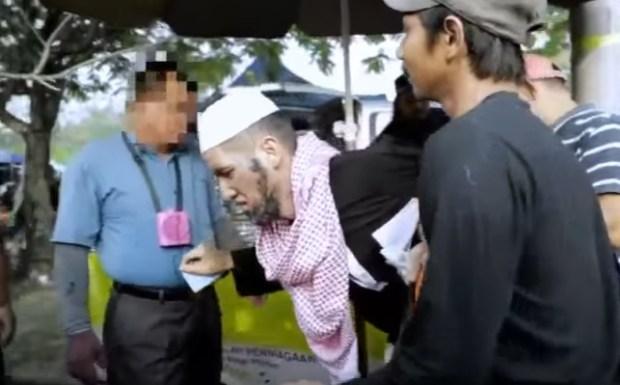 Komen netizen kepada Dato Alif Syukri berlakon gelandangan