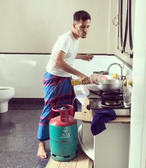 aliff syukri dikecam memasak dalam tandas 3