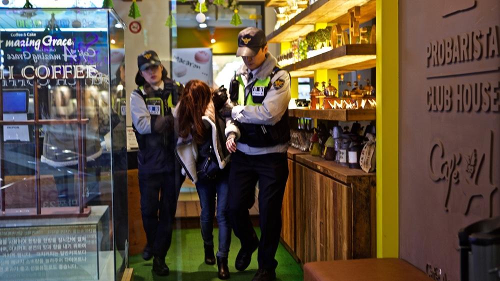 aljazeera polis handle orang mabuk
