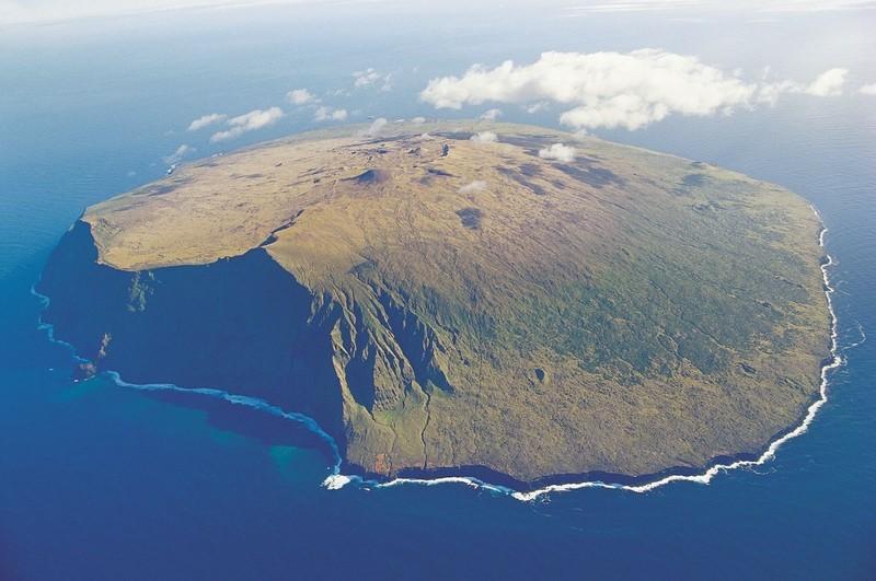 amsterdam island pulau paling terpencil di dunia