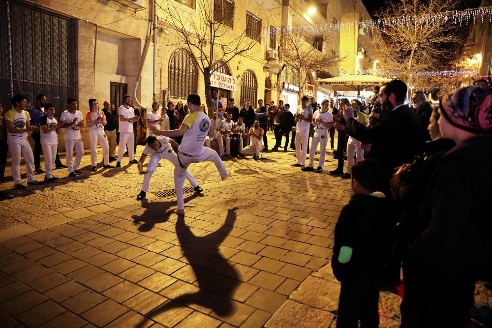 anak muda palestin dan yahudi berlatih capoeira
