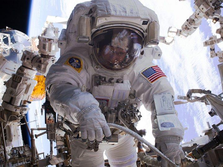 angkasawan di angkasa lepas