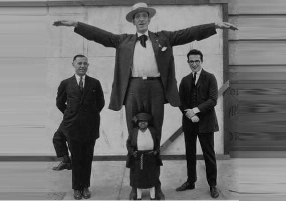 angus macaskill manusia gergasi paling besar dan tinggi di dunia