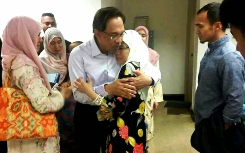 Image result for Dr Wan Azizah  dan anwar