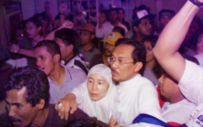 anwar ibrahim wan azizah 1998 reformasi