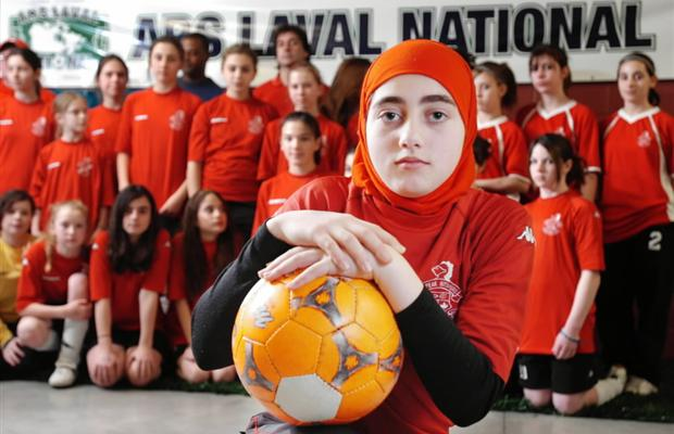 asmahan mansour larangan hijab fifa bola sepak w