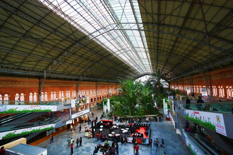 atocha madrid stesen kereta api paling cantik di dunia