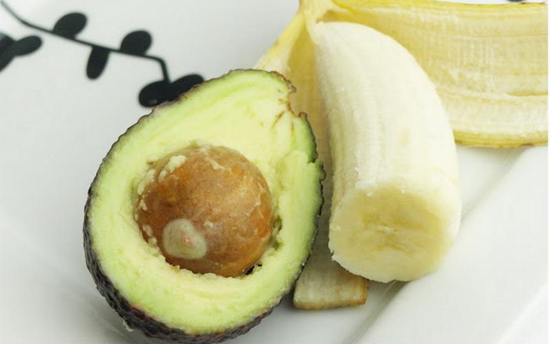 avokado dan pisang sebagai cara semula jadi untuk lebatkan rambut