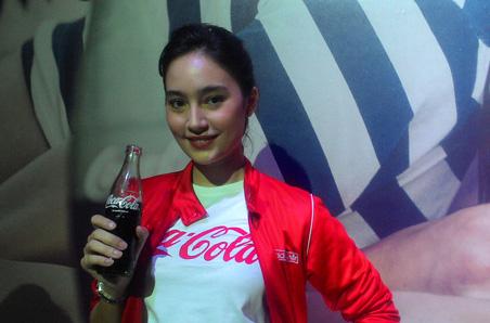 awek gadis coca cola coke