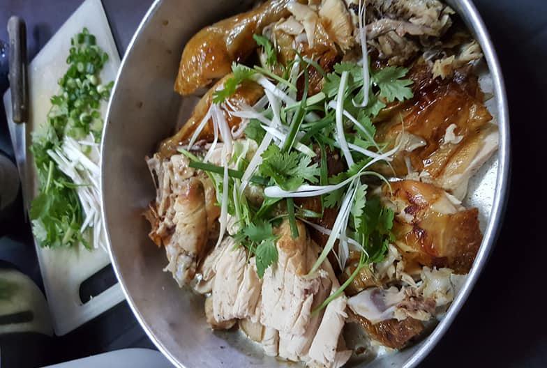 ayam yang sudah siap dimasak