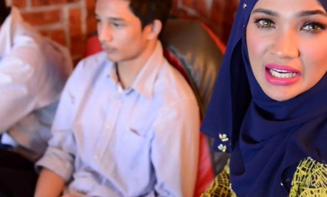 azil dan azal bergaduh zarina zainuddin terpaksa panggil polis