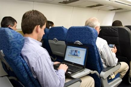 bagaimana kapal terbang mempunyai sambungan internet wifi 3