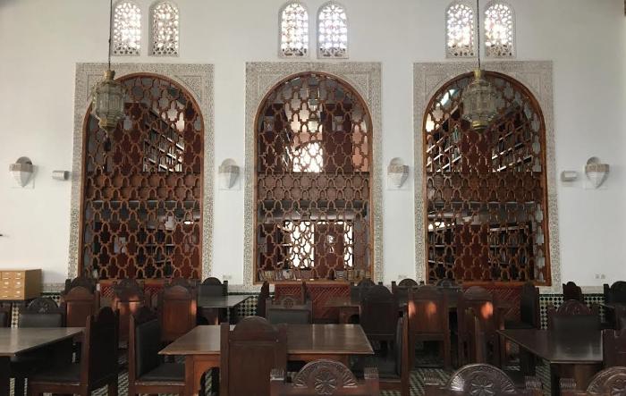 bahagian dalam bangunan universiti al qarawiyyin perpustakaan tertua dunia