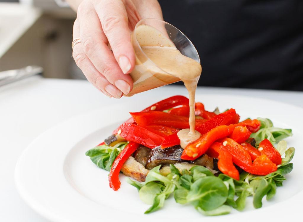 bahan pewarna tiruan sos salad