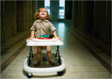 bahaya baby walker diharamkan di kanada
