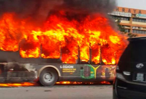 bas rapid kl laluan 772 pasar seni mah sing terbakar 1