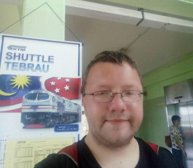 benjamin holst pengemis profesional tiba di malaysia 500
