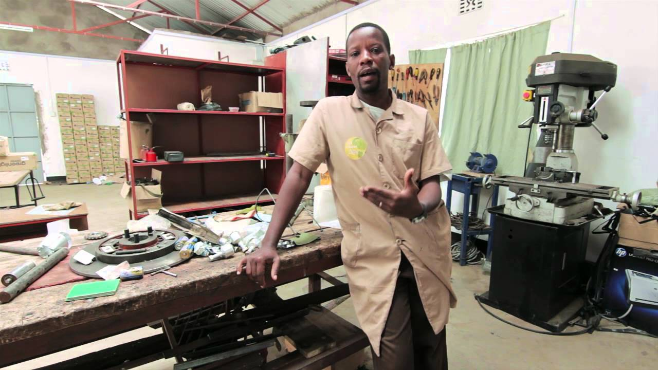 bernard kiwia inovator pencipta pedalaman afrika