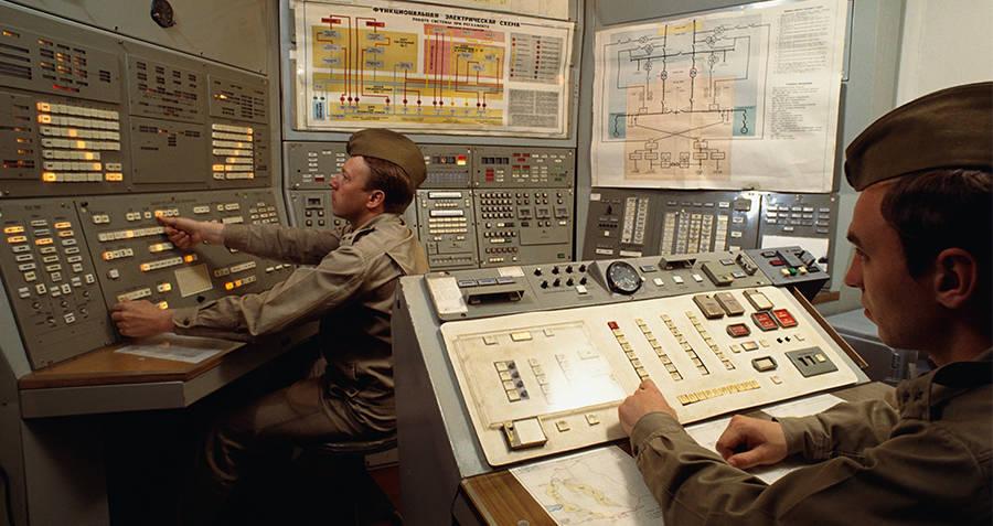 bilik kawalan di pangkalan peluru berpandu nuklear di moscow serupa seperti tempat bertugas stanislav petrov