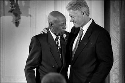 bill clinton bertemu peserta tuskegee study