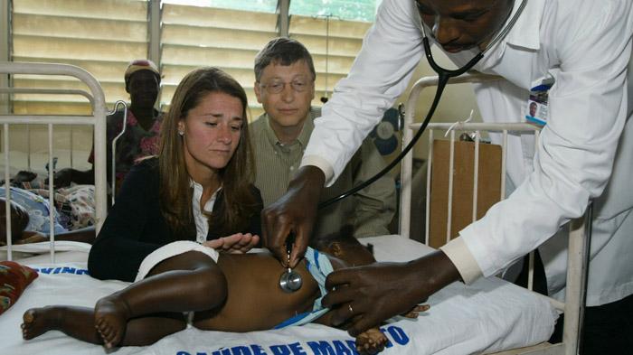 bill gates dan isteri melawat hospital yang merawat kanak kanak malaria di afrika