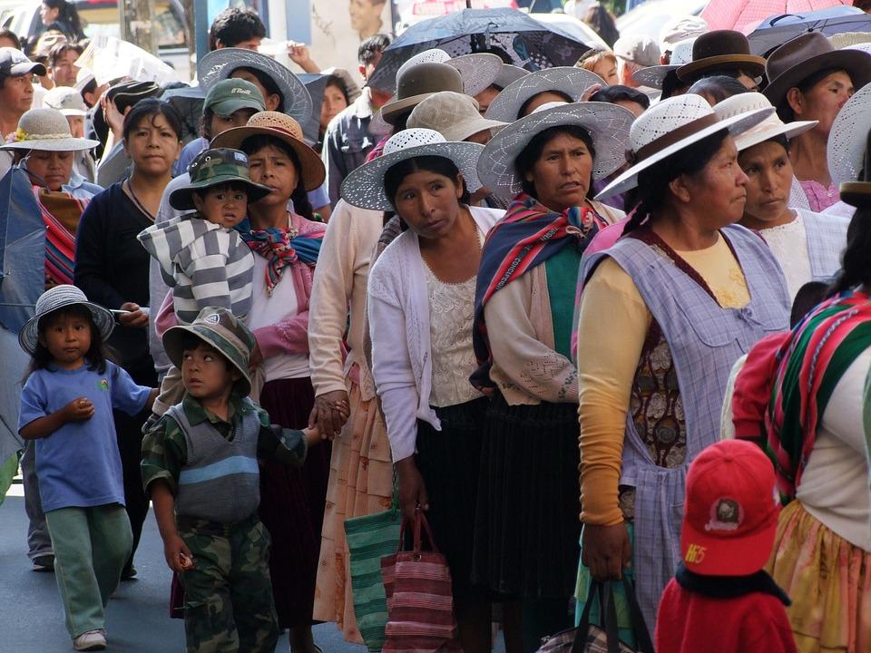 bolivia 10 negara dengan populasi paling pendek di dunia