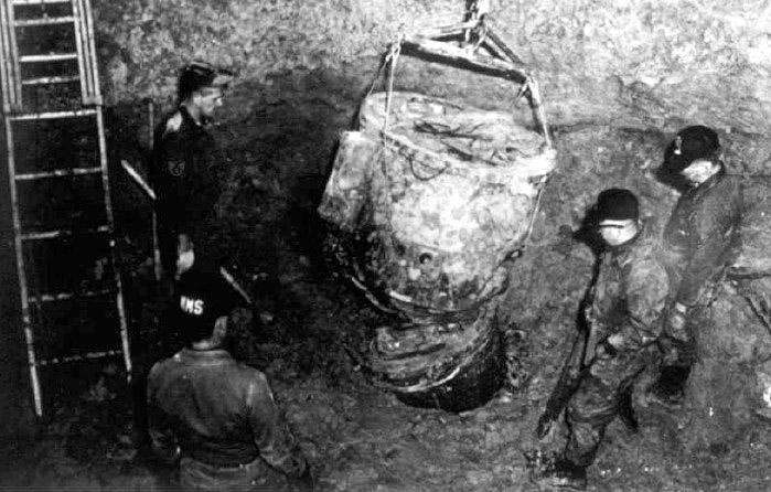 bom nuklear mark 39 yang kedua
