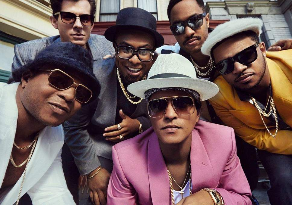 bruno mars dalam video uptown funk