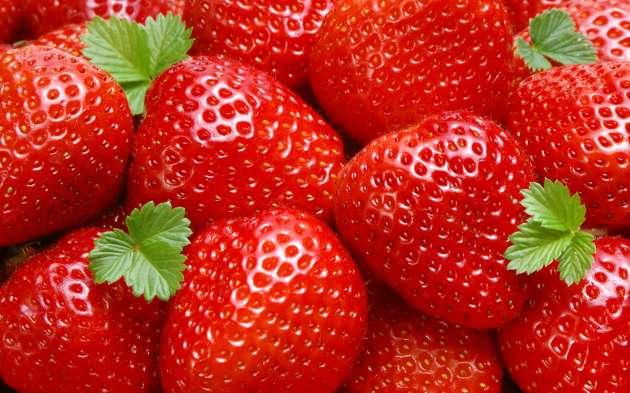 buah strawberi