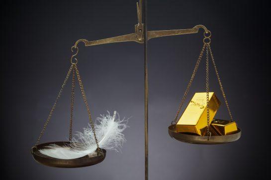 bulu lagi berat dari emas