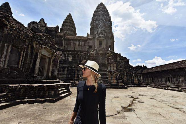 cassie melawat angkor wat kemboja