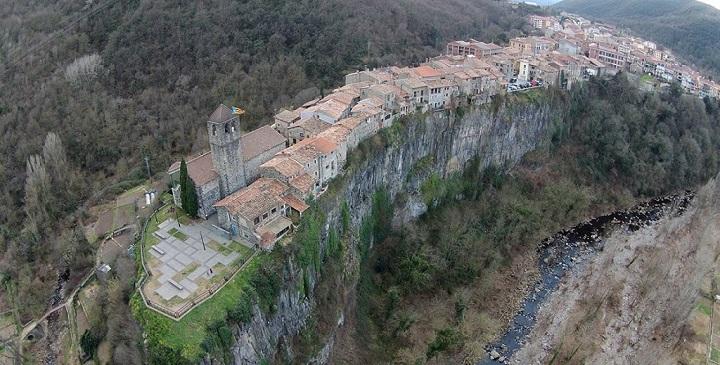 castellfollit de la roca catalunya1