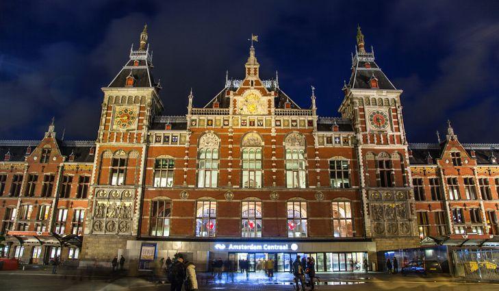 centraal station amsterdam stesen kereta api paling cantik di dunia