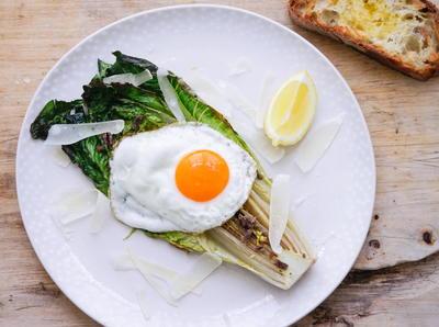 chef selebriti yang menyebabkan netizen marah nigella lawson caesar salad