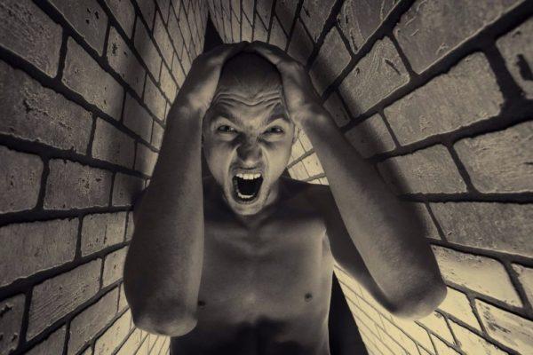claustrophobia juga boleh menyebabkan vestiphobia