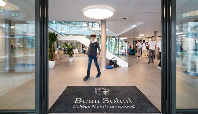 college alpin international beau soleil sekolah yuran mahal dunia