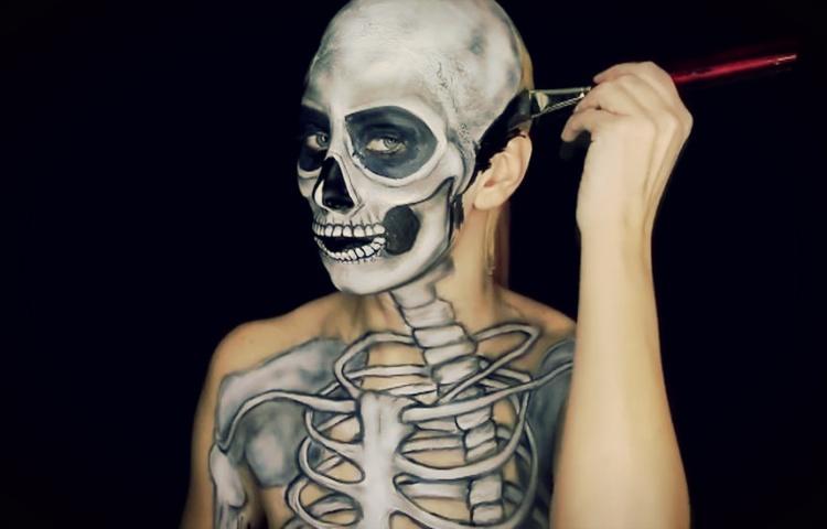 corak tulang pada badan
